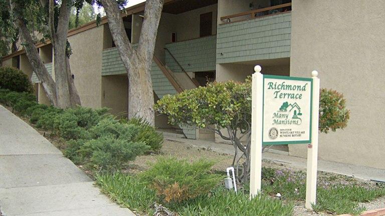 Richmond Terrace Apartments760 Warwick Ave. Thousand Oaks, CA 91360
