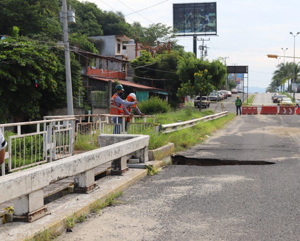 Pese a inversión millonaria, puente peatonal de Santiago no fue rehabilitado