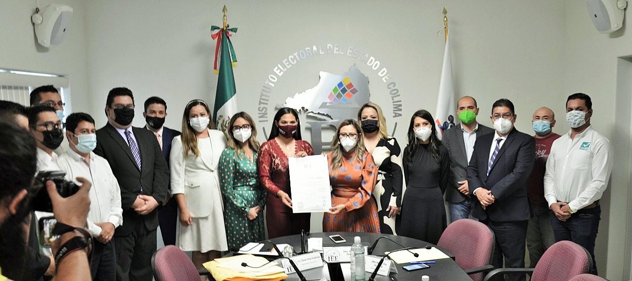 Entrega IEE Colima Constancia de Mayoría de Votos a Indira Vizcaíno