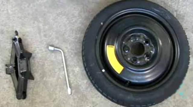 Como trocar o pneu do carro passo a passo