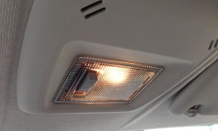 Luz do teto do carro não acende