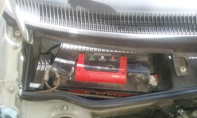 como trocar a bateria do Corsa