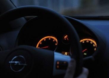 """<span class=""""entry-title-primary"""">Piso no freio e acende o painel – O que é isso?</span> <span class=""""entry-subtitle"""">Aprenda o que causa esse defeito no seu carro</span>"""