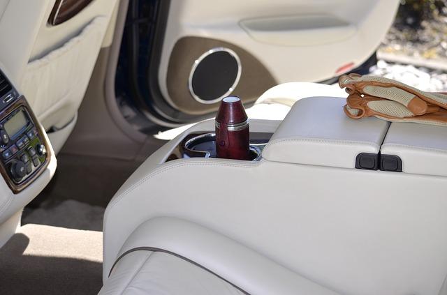 Como limpar e conservar o interior do seu veículo