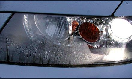 """<span class=""""entry-title-primary"""">Farol embaçado por água – Como resolver?</span> <span class=""""entry-subtitle"""">Como desembaçar o farol do seu carro</span>"""