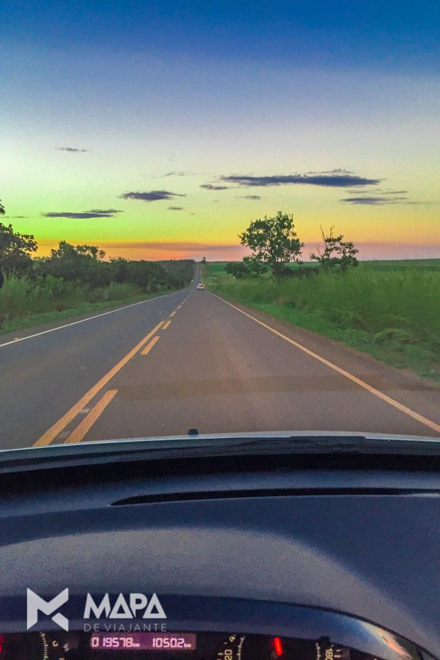Estrada de Brasília até Chapada dos Veadeiros.