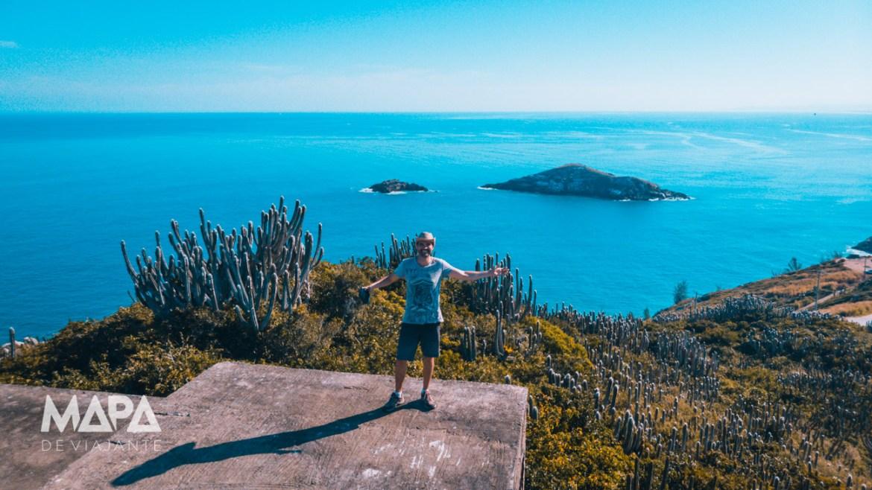 Vista 360 graus do Mirante do Esqueleto em Arraial do Cabo