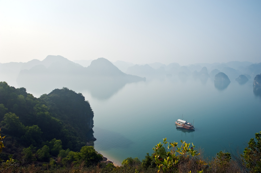 Saffron Interview Halong Bay by Raisbeckfoto 847px
