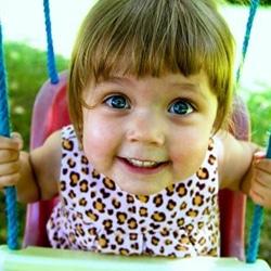 Развитие младенца в три месяца: рост, вес, прибавки, питание, зрение, что должен уметь, игрушки