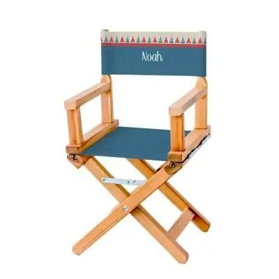 chaise metteur en scene a la file indienne