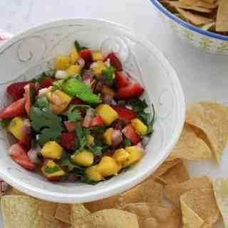 mango strawberry salsa with chips