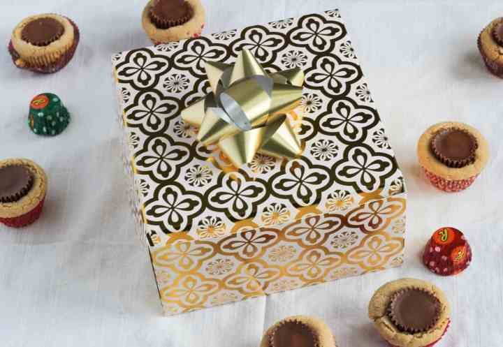 gift box peanut butter cup cookies