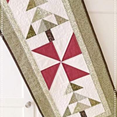 Peppermint Woods Table Runner pic 1