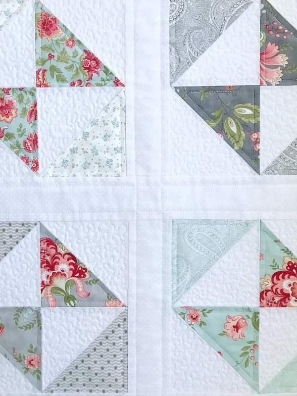 Pretty Petit Fours Quilt Pattern pic 3