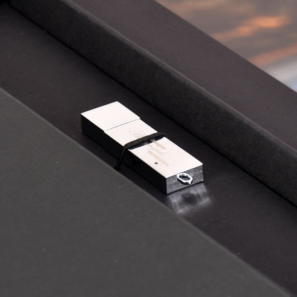 Chrome Memories flash drive