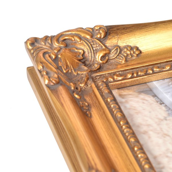 Swept frame 814 in gold