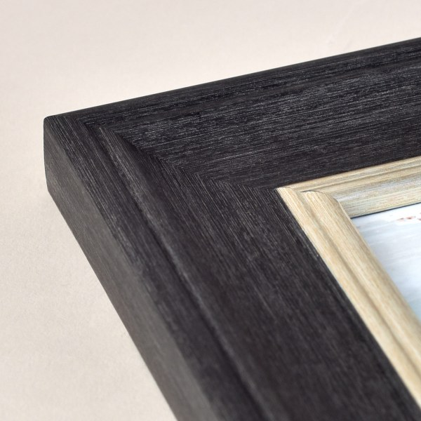Fraya 46 dark grey and silver frame corner
