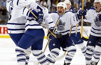 4. května 2002, Gary Roberts rozhodl čtvrtý nejdelší zápas Maple Leafs v historii