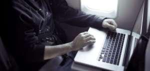 Laptopët bomba, rreziku i ri për sigurinë e fluturimeve