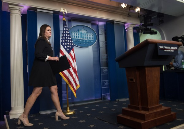 White+House+Press+Secretary+Sarah+Sanders+-taWGFXPo_Cl