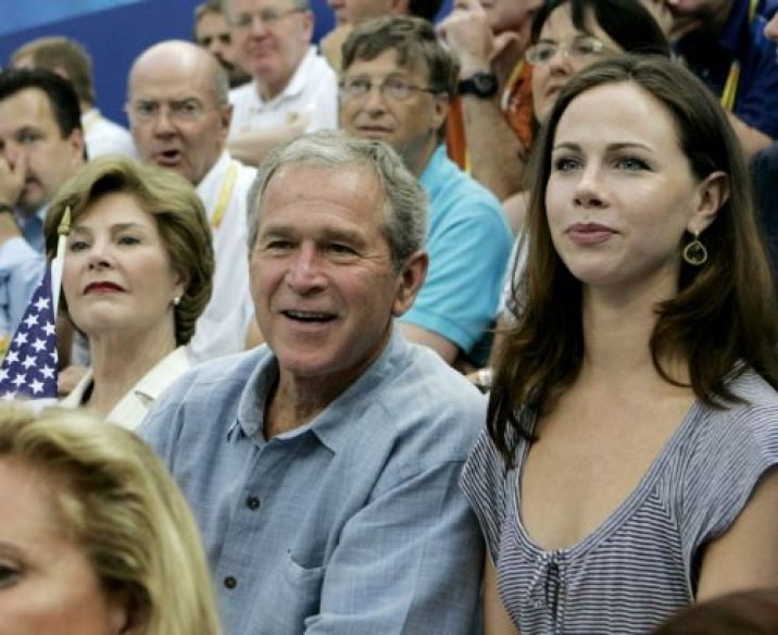 george-w-bush-his-daughter-barbara-2008-beijing-olympics
