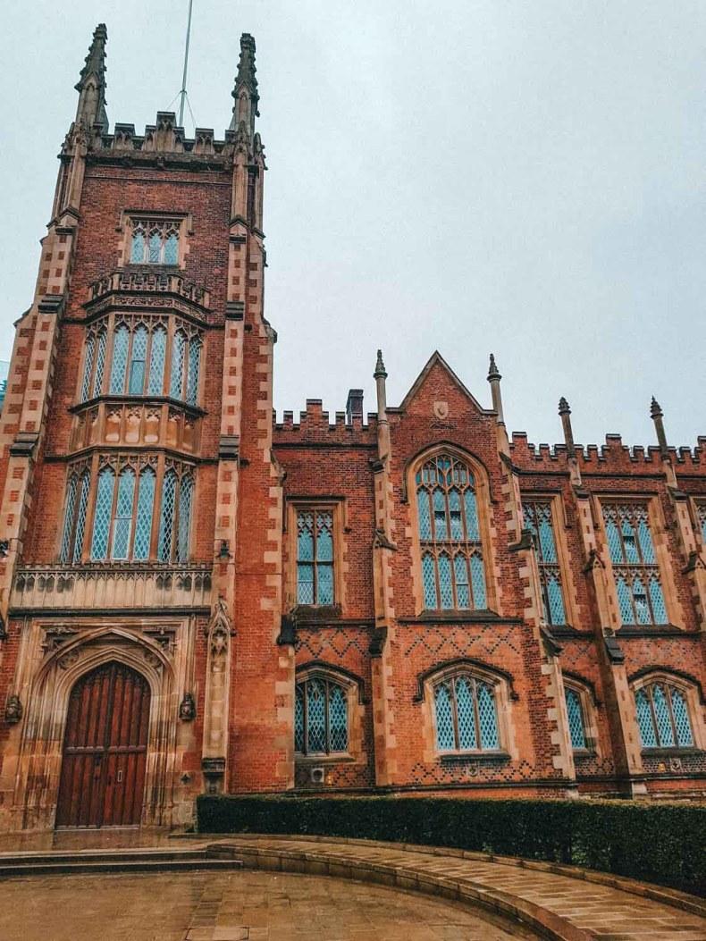 Queens University Belfast, 12x gratis bijzondere dingen doen in Belfast - Map of Joy