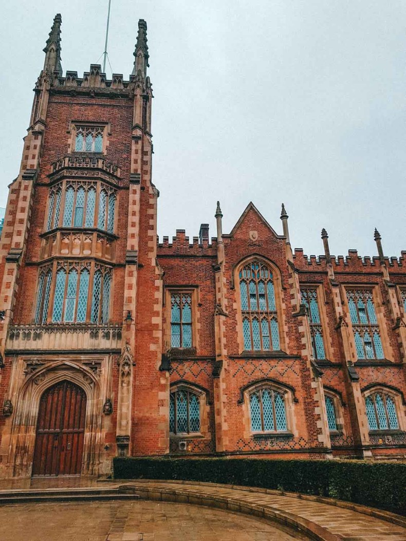 Queens University Belfast, 12x gratis bijzondere dingen doen in Belfast - Map of Joy