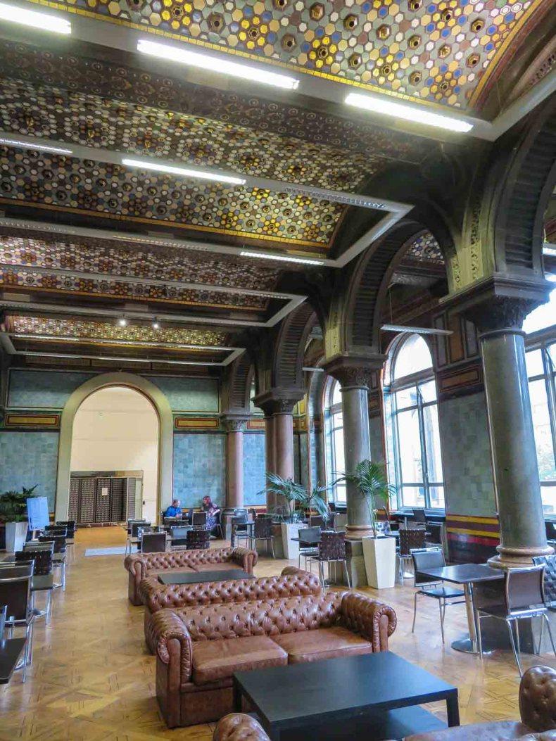 Tiled Hall Cafe, leuke dingen doen in Leeds - Map of Joy