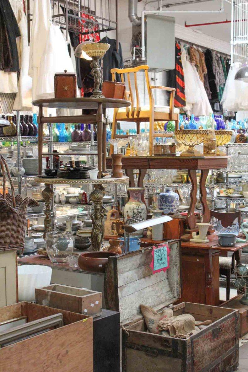 8x vintage shoppen in Brooklyn New York, Mother of Junk - Map of Joy