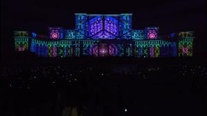 Удивительный видеомэппинг на бухарестском Дворце Парламента