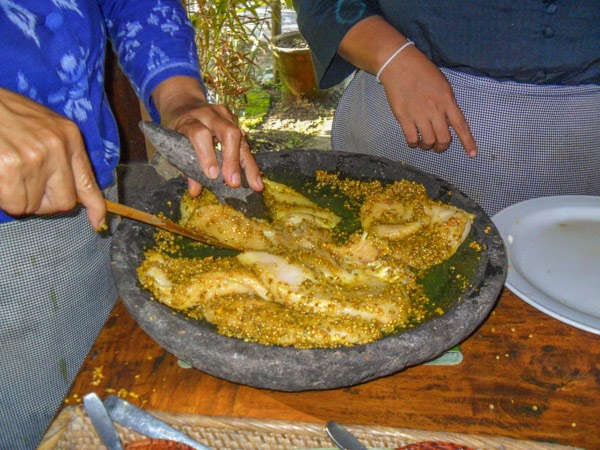 bali_cooking_class_meat_prep