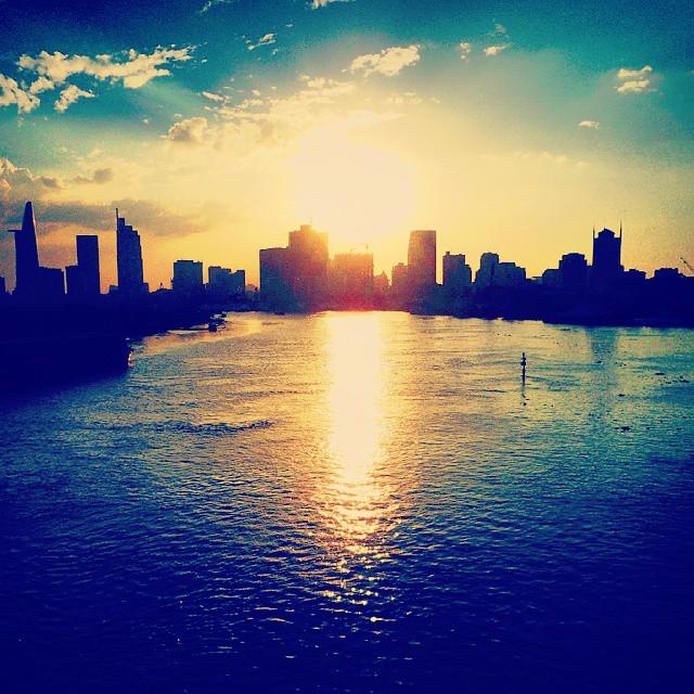 A killer urban sunset in Ho Chi Minh City #vietnam