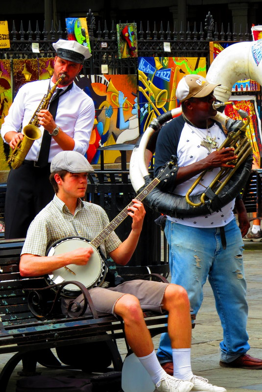 Love music? More importantly, love jazz? March and April in the US brings plenty of jazz into the limelight, and New Orleans is at the heart of it all!