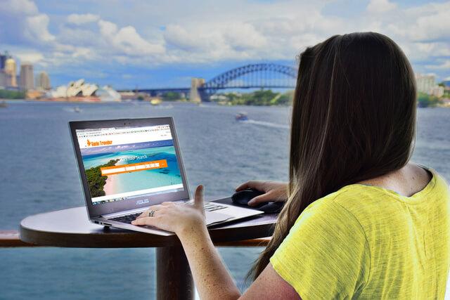 Computer laptop Genie Traveler