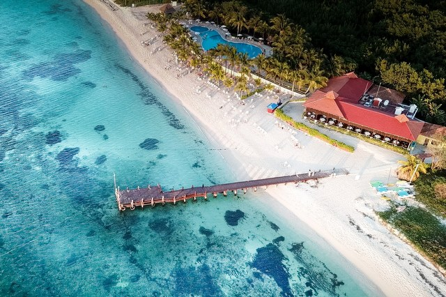Resort hotel RF beach