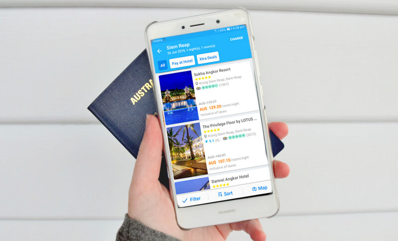 Phone passport Traveloka