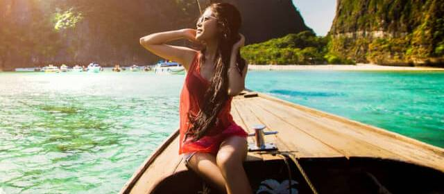 5 Reasons to Consider Living & Working in Thailand