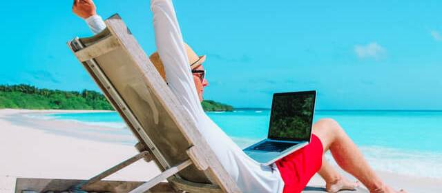 Essential Apps Every Digital Nomad Needs to Succeed (They're ALL Free!)