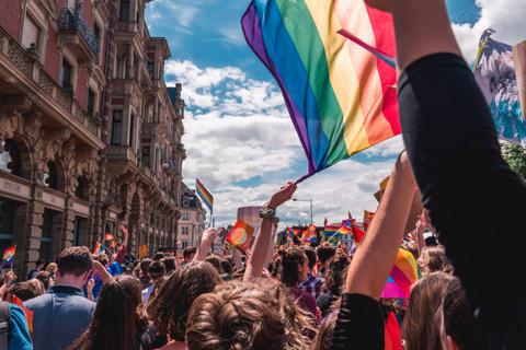 LGBTQ long distance relationship advice