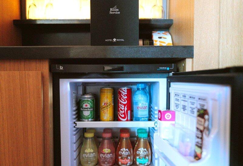 hotel minibar food RF