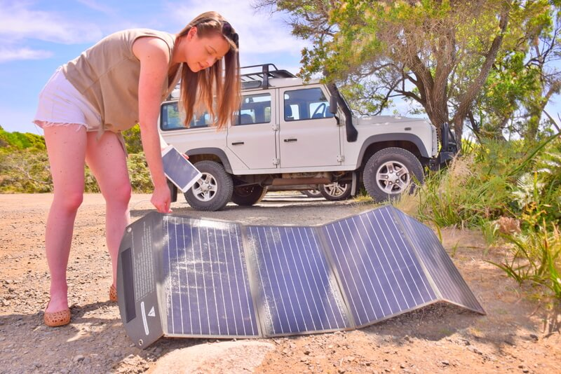 Solar panels outdoor car 4WD