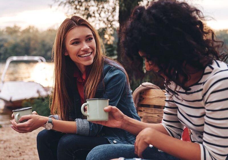 Talking friends people travel RF