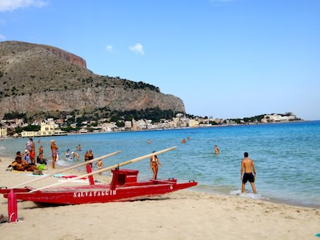 travel guide sicily mondello