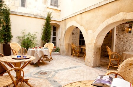 maison moliere courtyard