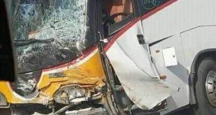 الناظور: قتيل وجريح في حادث تصادم خطير بين حافلة وسيارة بمدخل العروي