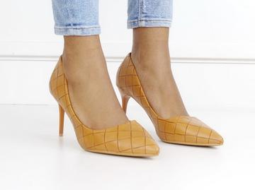 Flo weave pu court on 8cm heel camel