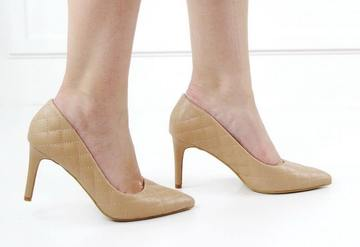 Gloria quilted courts camel