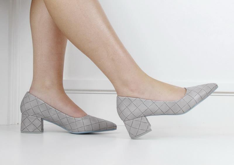 Tropez 70-7 weave embossed pointy on block heel grey   LaMara Paris