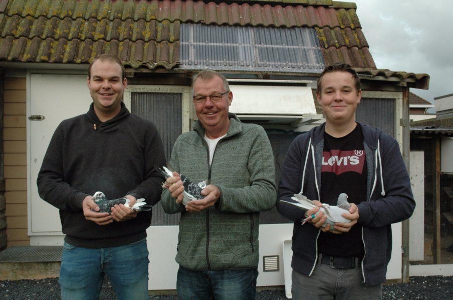Jan Hommes en znn, Akersloot, winnen Perigueux in sector 2 en Perpignan in de Fondunie 2000 (2 en slot)