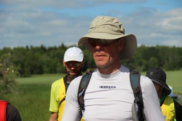 Niklas in action. Solhatten var ett måste i gasset. Foto: privat